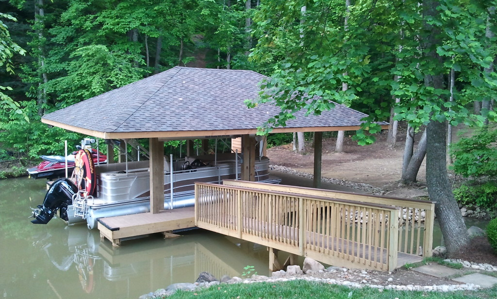 Hip roof dock with single slip entry on Tennessee River